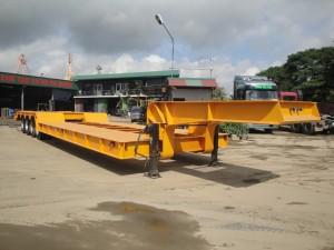 Sơmi rơmoóc tải 72,4 tấn (chở xe máy chuyên dùng)